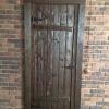Дверь состаренная